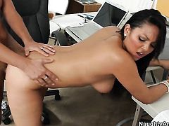 Kris Slater has a great time fucking