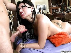 Eva Angelina is hungry for sperm