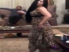 arab hot dance