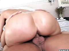 Brunette Syren De Mer with bubbly butt fucks like no other and horny fuck buddy knows it