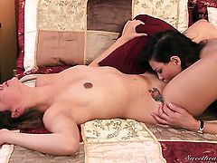 Teri Weigel licks Allie Hazes snatch like a pro  in girl-on-girl action