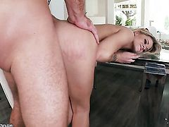 Blonde Jessa Rhodes takes dudes cock up her bush