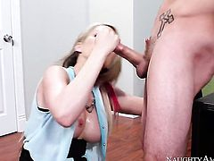 Tyler Nixon cant wait any longer to insert his tool in smoking hot Courtney Cummzs love hole