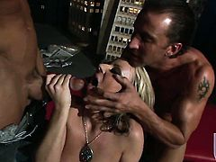 Carolyn Reese loves fresh hot sperm sticky nectar all over her face