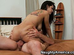 Latin Yurizan Beltran with round bottom and shaved pussy has great sexual experience and expands it with hard cocked guy Jordan Ash