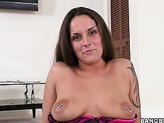 Brunette Krystal Main jerks guy off