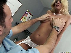 Riley Evans takes oral sex to the whole new level as she does it with hard dicked dude Keiran Lee