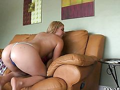 Blonde Kodi Gamble with bubbly bottom gives tugjob to guy she wants to fuck