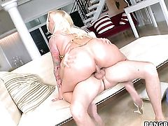 Blonde Angel Vain with big butt puts her luscious lips on erect man meat