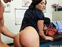 Krissy Lynn with bubbly booty and hairless twat cant resist Bill Baileys hard snake