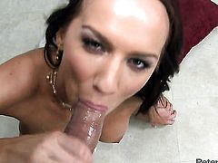 Carina Roman her best to make fuck buddy bust a nut