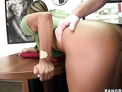Blonde Esperanza Gomez with bubbly booty beating mans meat