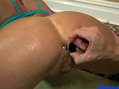 Felicity Feline Yoga and a fuck + Anal toy