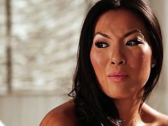 Asa Akira learns more about lesbian sex from her lesbian friend jessica drake