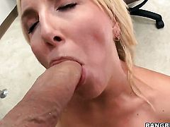 Blonde Kelly Rose with bubbly booty has some dirty fantasies to be fulfilled in cumshot action