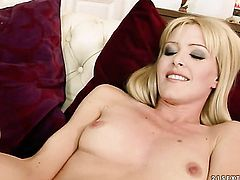 Sophie Moone looks for a chance to get orgasm after pussy munching with White Angel