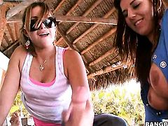 Latin with juicy bottom has some time to give some sexual pleasure to lesbian Lexxxi Lockhart
