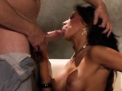 Inexperienced wench Kayla Carrera is happy with man cream on her lovely face