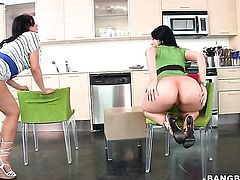 Brunette senora Luscious Lopez with phat booty gets satisfaction with lesbian Ava Rose