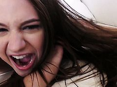 Elektra Rose gets ruthlessly fucked in her mouth by lucky man