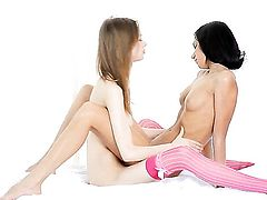 Jasmin and Gloria open their legs legs wide for each other and have lesbian fun