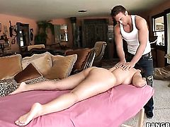 Brunette Jessica Bangkok loves getting her twat humped interracially by horny guy