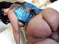 Slutty latin sex kitten Kiara Mia with giant hooters loses control after Derrick Pierce sticks his love wand in her mouth