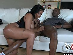 This is one of the hardest biggest asses you will find in porn. Kiara Mia is turning out to make her big buns strong as steel. So she tries them out with a BBC and takes it up her tight asshole.