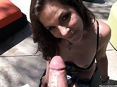 Bobbi Starr lets Rocco Siffredi insert his schlong in her mouth