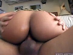 Awesomely kinky exotic charmer puts her cock riding skills to the test