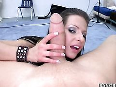 Brunette Rachel Roxxx spends her sexual energy with rock solid fuck stick in her mouth