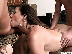 Sara Jay is with her daughter in a threesome