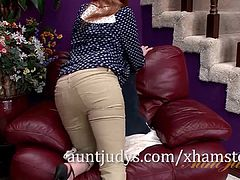 Marie McCray Treats Her Pussy with a Toy