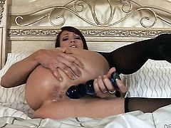 Delicious harlot Nicki Hunter gets the pleasure from masturbating
