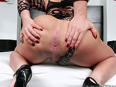 Ariane De Briho is one hot shemale. She has best of both worlds, fine tits, big ass, tight asshole and fat cock. Who would't like to get freaky with this smoking hot shemale? Many of us would give our right arm, just to stick our cock inside that alluring pink asshole.