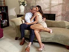 A long brown-haired babe is just craving to get laid with an older guy. The seducing slut passionately kisses Steven, then gets on knees to suck his cock. Click to watch Tommi, exposing her lovely tits and buttocks. Enjoy and have fun!
