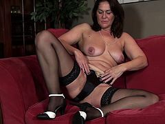 Kaysy mature milf solo