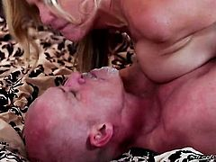Mark Davis admires sex obsessed Julia Anns body before she takes his love stick in her mouth