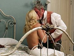 Anikka Albrite shows off her hot body as she gets her mouth drilled