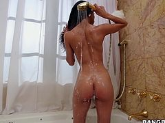 Veronica looks so hot, while under the shower! She's really hungry for cock, as you can see her touching her peachy cunt with luscious movements. Her sensual body and slutty attitude are enough to make this guy hard. Watch the naughty brunette babe sucking dick with passion! Have fun and relax...