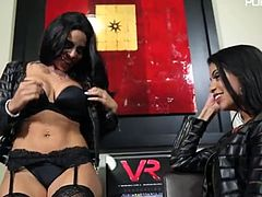 veronica 16 01 03 veronica rodriguez and luna star wet totona N1C