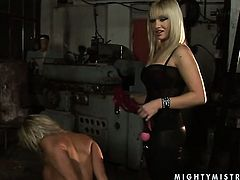 Blonde tramp Adriana Russo with gigantic melons and Lee Lexxus kill time playing with each others snatch