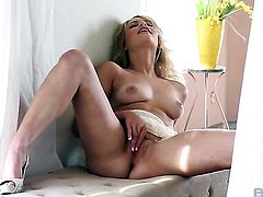 Mia Malkova with small bottom gets satisfaction using nothing but her dildo