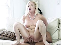 Nikki Delano asks her man to fuck her sweet mouth