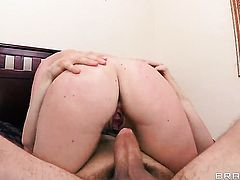 Lily Carter wants sex with Erik Everhard really badly