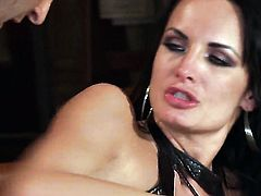 Vicki Chase is in heat in steamy oral action with hot guy