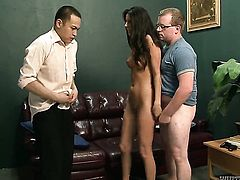 Nikki Daniels gets her mouth stretched by dudes rock hard snake