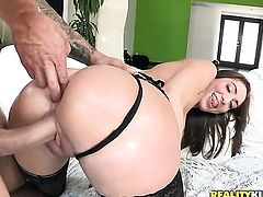 Teen Angelica Saige with phat butt has some dirty fantasies to be fulfilled in cumshot action