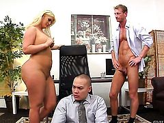 Angel faced tramp Julie Cash spreads for hot man