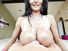 Kevin Moore spends her sexual energy with horny guy